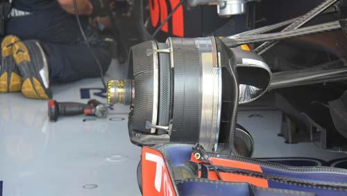 """F1: Vì sao tất cả vẫn đang """"hít khói"""" Mercedes - 2"""