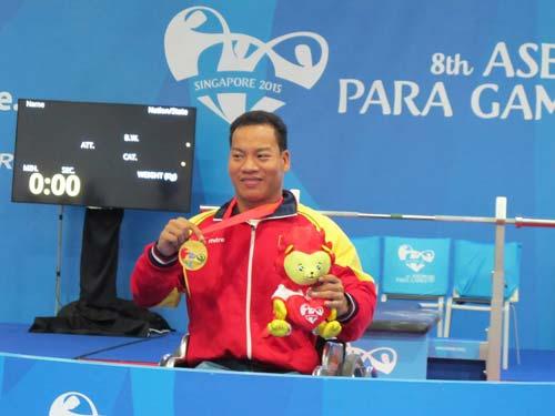 Kỳ tích Lê Văn Công: Kỷ lục thế giới, HCV Paralympic - 2