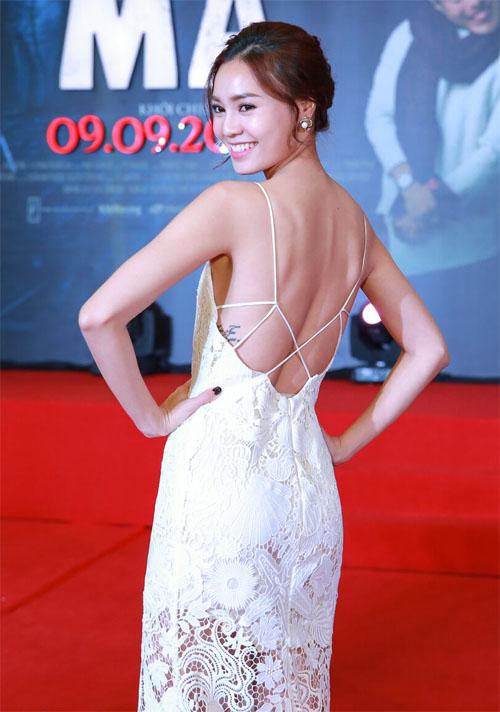 Phan Mạnh Quỳnh ngại ngùng đưa bạn gái đi xem phim - 4