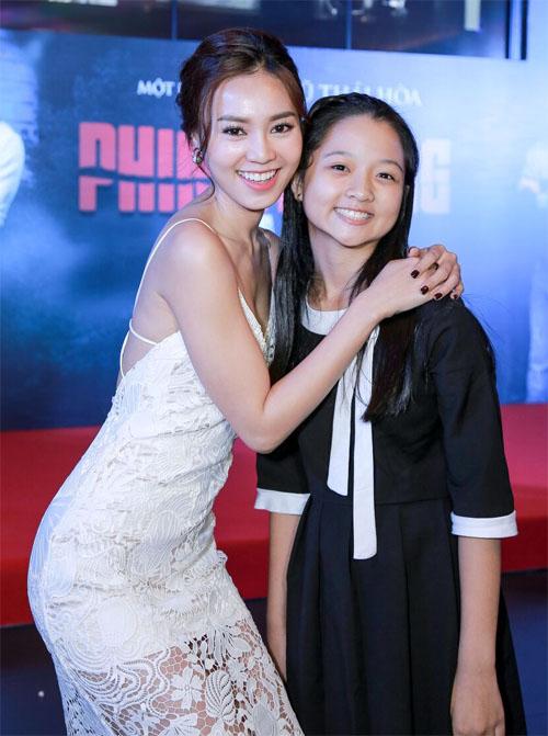 Phan Mạnh Quỳnh ngại ngùng đưa bạn gái đi xem phim - 5