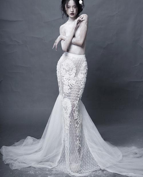 Hotgirl Thanh Vy khoe dáng nuột trong sắc trắng tinh khôi - 1