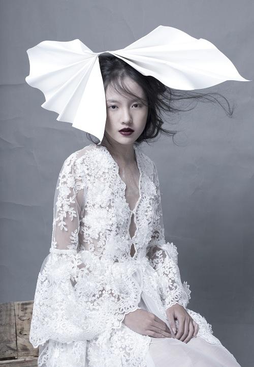 Hotgirl Thanh Vy khoe dáng nuột trong sắc trắng tinh khôi - 2