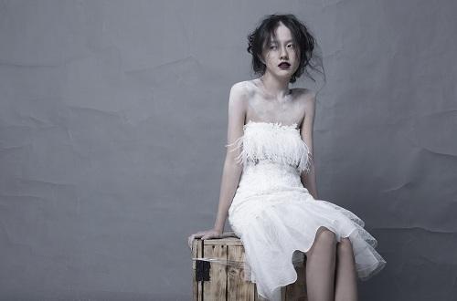Hotgirl Thanh Vy khoe dáng nuột trong sắc trắng tinh khôi - 3