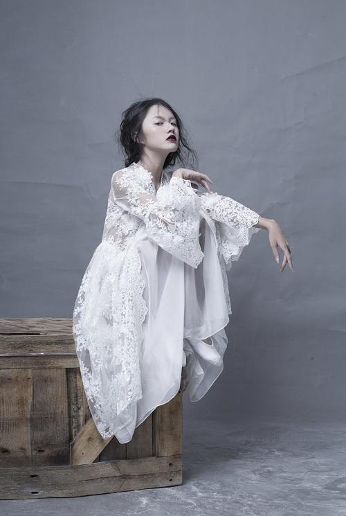 Hotgirl Thanh Vy khoe dáng nuột trong sắc trắng tinh khôi - 4