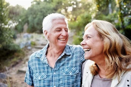 """Người cao tuổi làm """"chuyện ấy"""" thường xuyên có thể tăng nguy cơ đau tim - 1"""