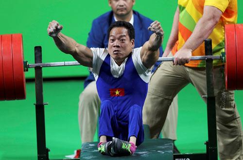 Kỳ tích Lê Văn Công: Kỷ lục thế giới, HCV Paralympic - 1