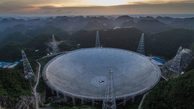 Kính viễn vọng ở TQ sắp săn người ngoài hành tinh - 2