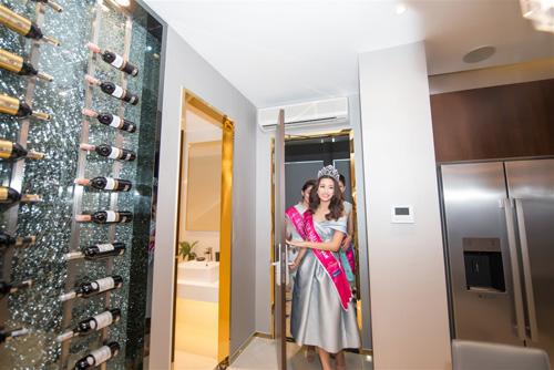 Ngẩn ngơ trước vẻ đẹp của Tân HHVN 2016 trong căn hộ cao cấp River City - 1