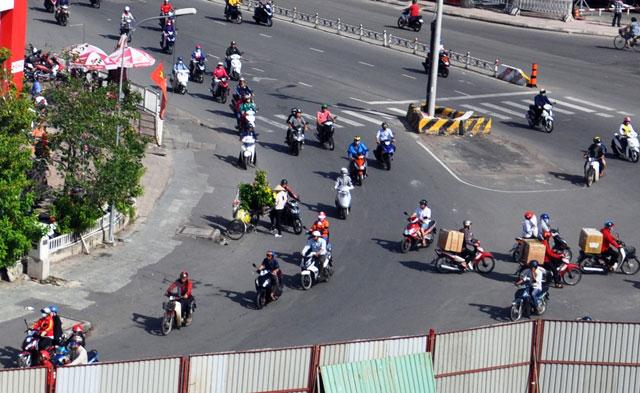 """""""Rốn"""" kẹt xe vắng vẻ lạ thường, người Sài Gòn """"sốc"""" - 6"""