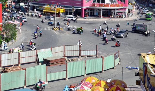 """""""Rốn"""" kẹt xe vắng vẻ lạ thường, người Sài Gòn """"sốc"""" - 10"""