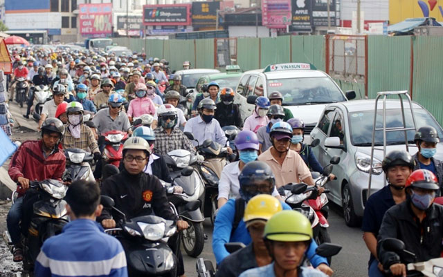 """""""Rốn"""" kẹt xe vắng vẻ lạ thường, người Sài Gòn """"sốc"""" - 13"""