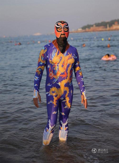 """Loạt bikini bịt mặt """"phá đảo thế giới ảo"""" của Trung Quốc - 3"""