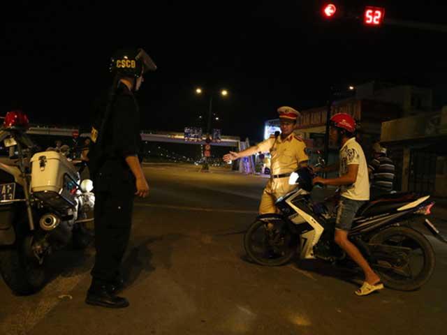 TPHCM: Sau 22 giờ sẽ kiểm tra hành chính người đi xe - 1