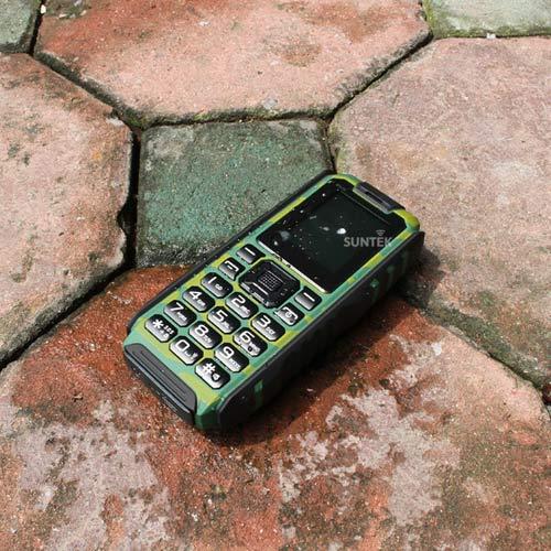 Điện thoại siêu bền, chống nước pin dùng 20 ngày giá 599.000đ gây sốt - 3