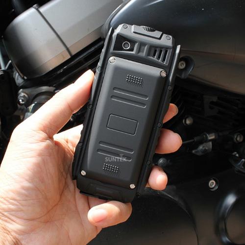 Điện thoại siêu bền, chống nước pin dùng 20 ngày giá 599.000đ gây sốt - 7