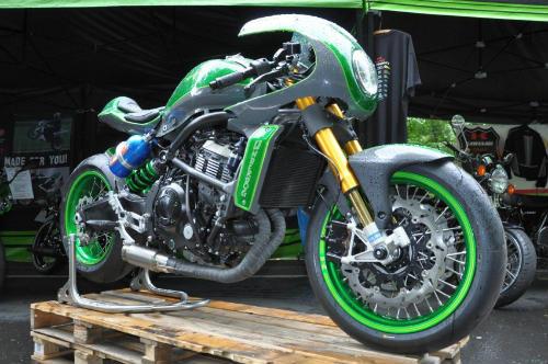 Soi Kawasaki Vulcan S độ như quái vật xanh - 1