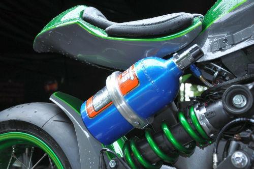 Soi Kawasaki Vulcan S độ như quái vật xanh - 11