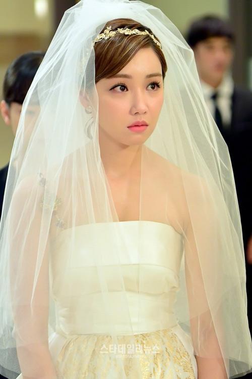 Diễn quá xuất sắc, Lee Yoo Ri bị ghét nhất màn ảnh Hàn - 1