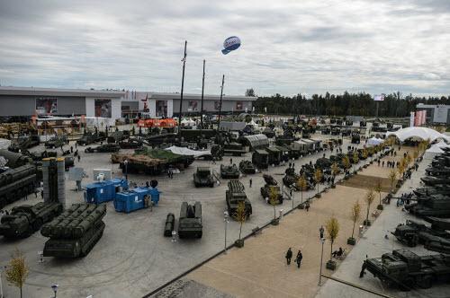 Dàn vũ khí khủng của Nga tại triển lãm Army 2016 - 15