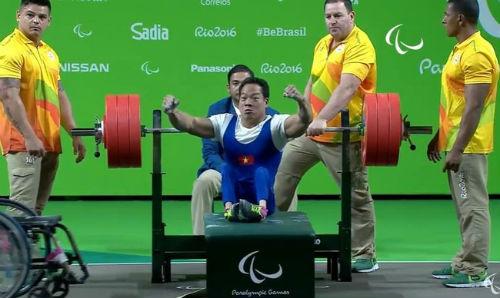 HCV Paralympic Lê Văn Công: Điều chưa kể sau cú đẩy xuất thần - 2