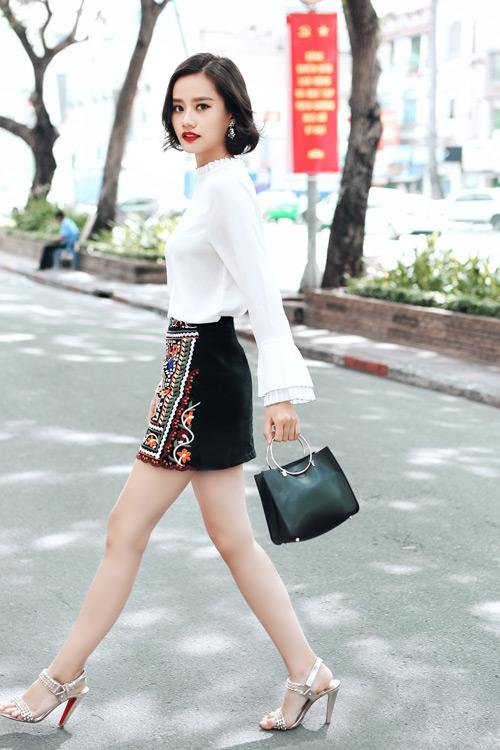 Kim Chi gợi ý cách phối đồ thu cực xinh với tóc ngắn - 1
