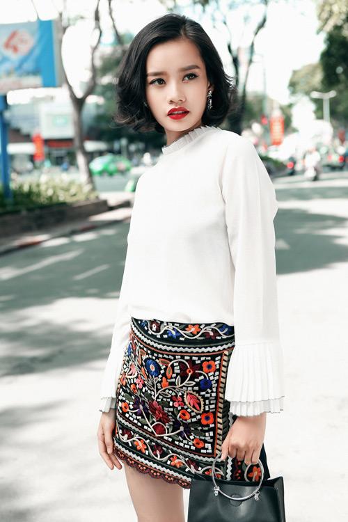Kim Chi gợi ý cách phối đồ thu cực xinh với tóc ngắn - 2
