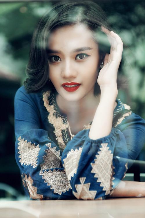 Kim Chi gợi ý cách phối đồ thu cực xinh với tóc ngắn - 18