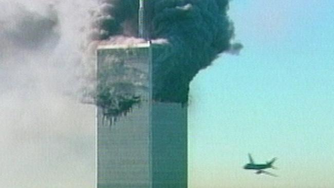 Người đàn ông bí ẩn rơi khỏi tháp đôi vụ khủng bố 11.9 - 2