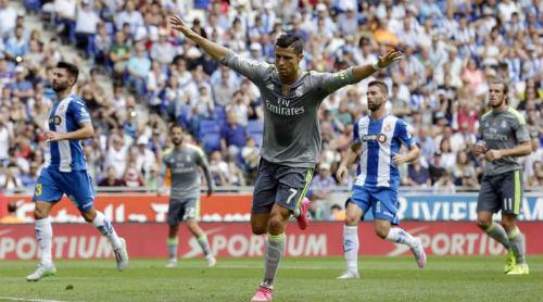 """5 kỉ lục chờ Ronaldo chinh phục: Hattrick """"bàn tay nhỏ"""" - 4"""