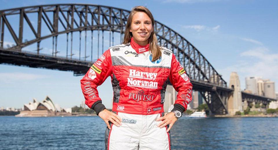 Xuất hiện tay đua nữ đầu tiên trong giải Supercars Championship - 1