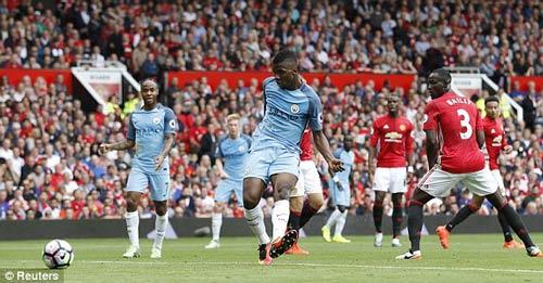 Chùm ảnh derby Manchester: Cảm xúc thăng trầm - 6