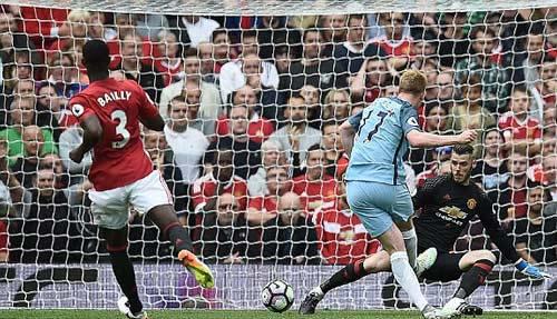 Chùm ảnh derby Manchester: Cảm xúc thăng trầm - 3