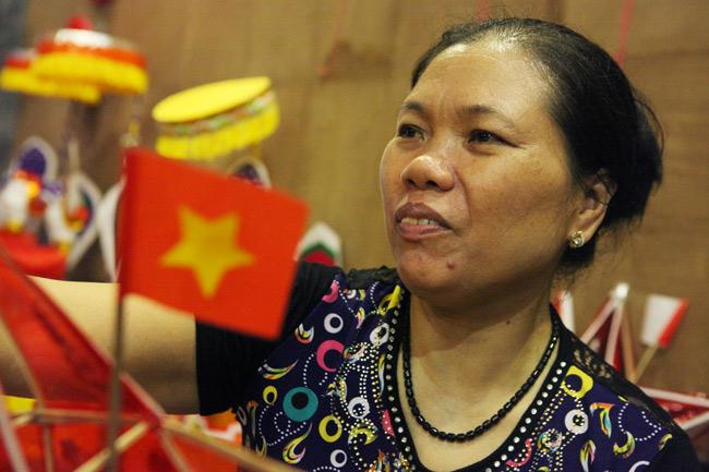 Đến phổ cổ Hà Thành chơi đồ trung thu truyền thống - 2