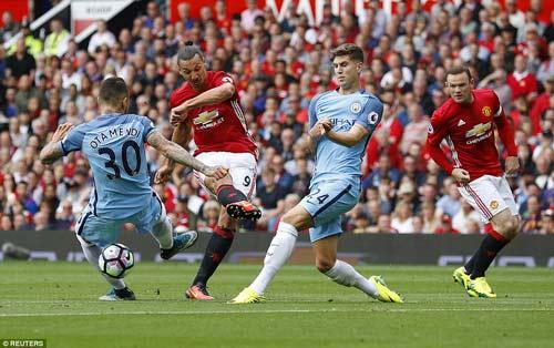 Chùm ảnh derby Manchester: Cảm xúc thăng trầm - 12