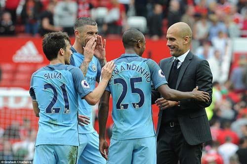 Chùm ảnh derby Manchester: Cảm xúc thăng trầm - 14