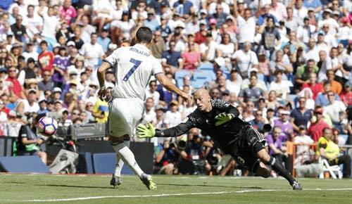 Real: Ghi bàn trở lại, Ronaldo muốn hợp đồng 10 năm - 1