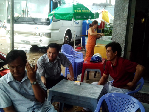 Xe tải dìu xe khách trên đèo Bảo Lộc: Hành khách nói gì? - 3