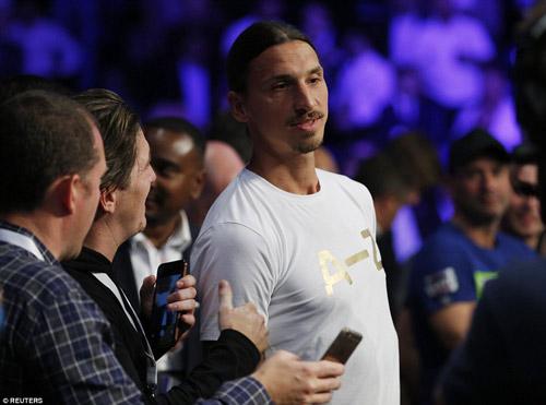 """Boxing: """"Cậu bé vàng"""" Golovkin khiến đối thủ nhập viện - 2"""