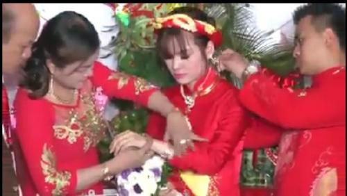 """""""Choáng"""" với hồi môn đám cưới gần 11 tỷ ở miền Trung - 2"""