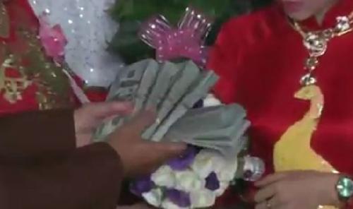 """""""Choáng"""" với hồi môn đám cưới gần 11 tỷ ở miền Trung - 3"""