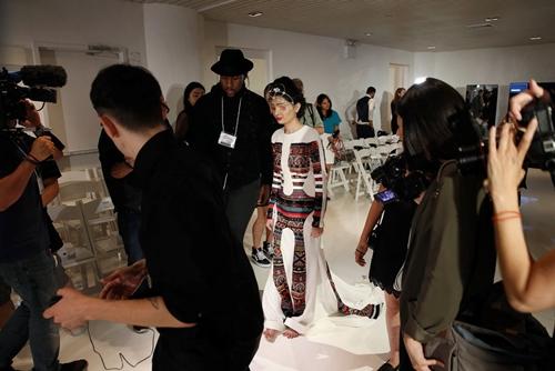 Người mẫu bị tạt axit gây chấn động sàn diễn New York - 8