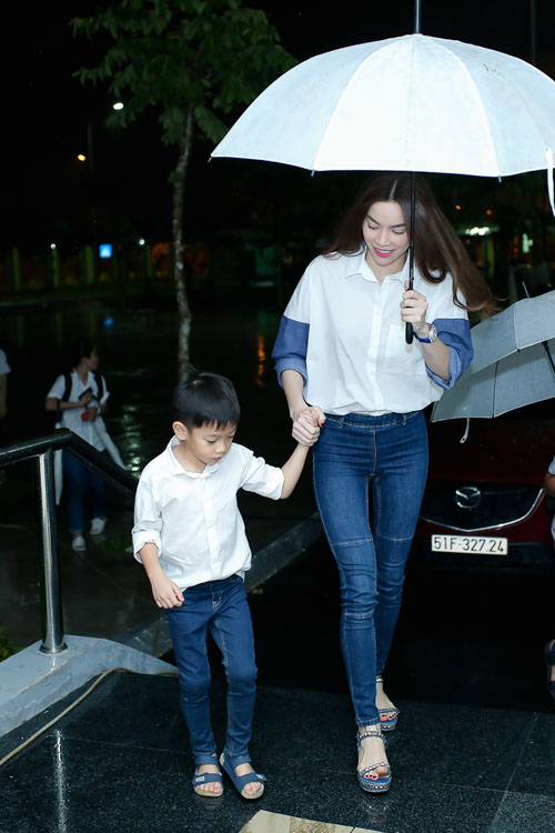 Con trai Hồ Ngọc Hà nổi tiếng không kém mẹ - 2
