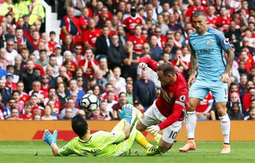 Lý do cầu thủ MU chơi dưới sức ở trận derby - 2