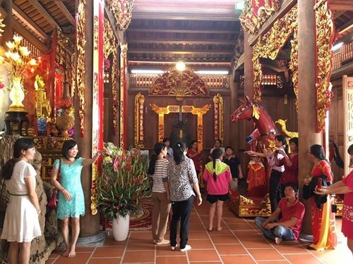 Choáng ngợp cảnh trong nhà thờ Tổ 100 tỷ của Hoài Linh - 3