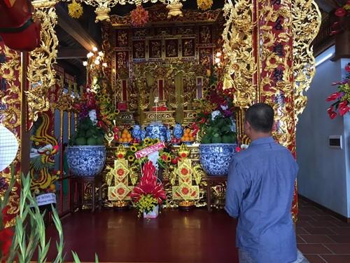 Choáng ngợp cảnh trong nhà thờ Tổ 100 tỷ của Hoài Linh - 5