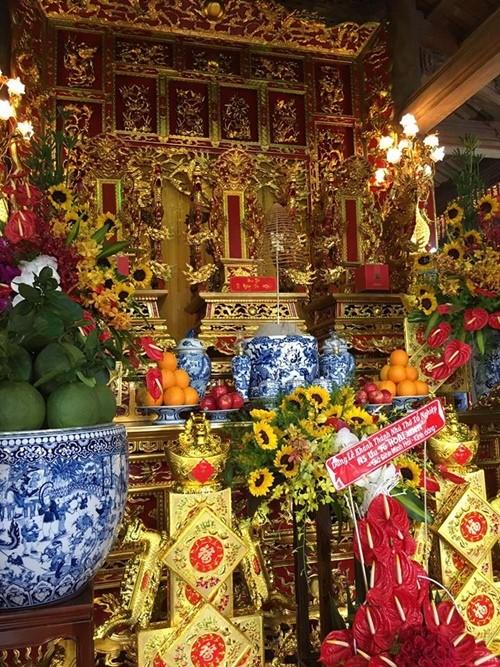 Choáng ngợp cảnh trong nhà thờ Tổ 100 tỷ của Hoài Linh - 4