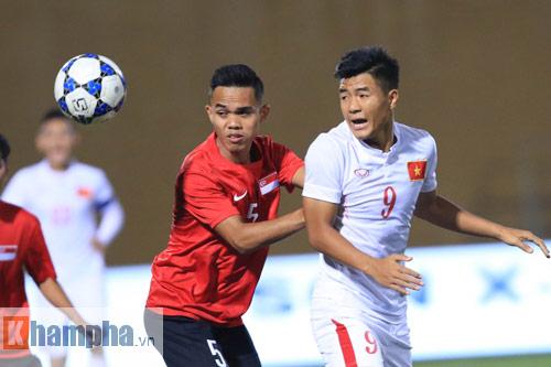 HLV Hoàng Anh Tuấn không hài lòng với chân sút U19 VN - 1
