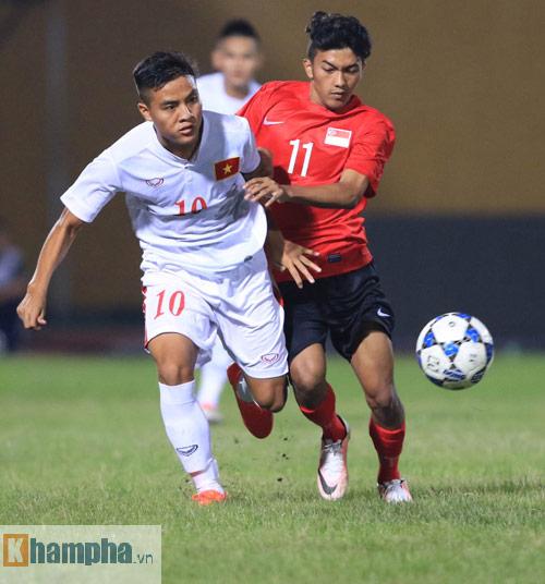 HLV Hoàng Anh Tuấn không hài lòng với chân sút U19 VN - 4