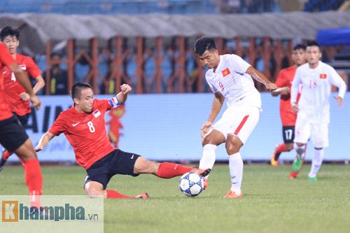 HLV Hoàng Anh Tuấn không hài lòng với chân sút U19 VN - 6