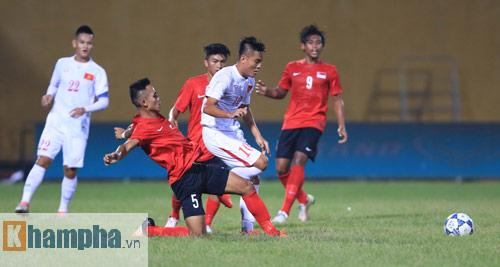 HLV Hoàng Anh Tuấn không hài lòng với chân sút U19 VN - 8